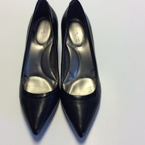 BANDALINO Black Leather Pumps 2.5 Inch Heel